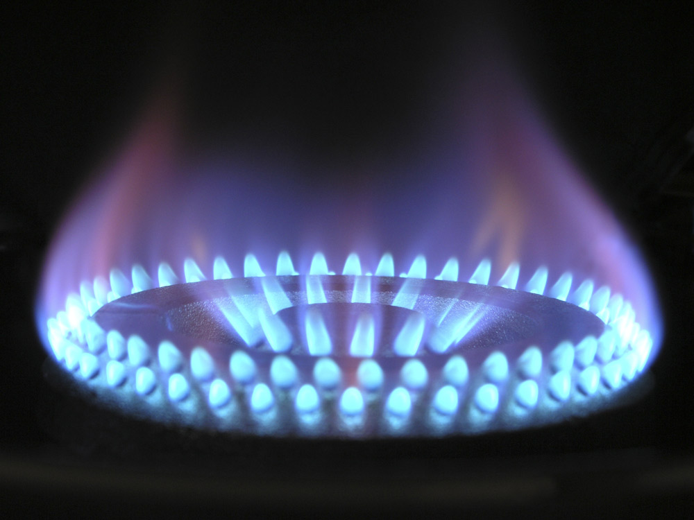 https://pixabay.com/en/flame-gas-gas-flame-blue-hot-ring-580342/